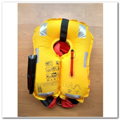 chaleco inflable automatico desplegado